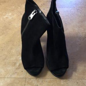 Bcbg booties size 9.5